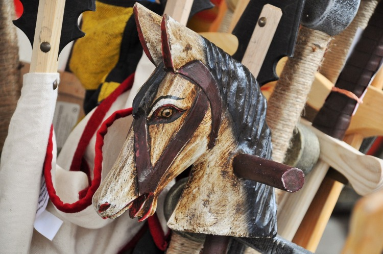 wooden-horse-1423905_1280
